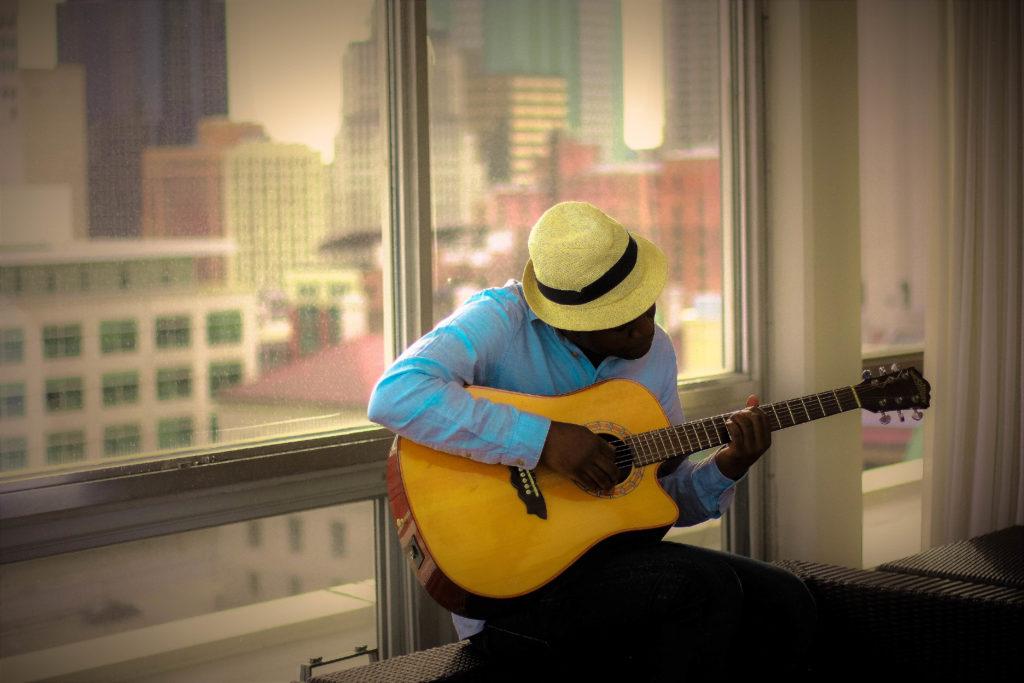 contacta con el hombre tranquilo music
